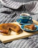 Desayuno en la cama foto de archivo