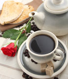 Desayuno en la cama Foto de archivo libre de regalías