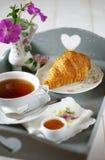 Desayuno francés en elegancia lamentable del estilo Fotos de archivo