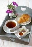 Desayuno francés en elegancia lamentable del estilo Imagen de archivo libre de regalías