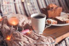 Desayuno sabroso en cama Fotografía de archivo libre de regalías