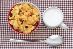 Desayuno sano con el cereal fotos de archivo