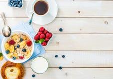 Desayuno sano con el espacio del texto fotos de archivo