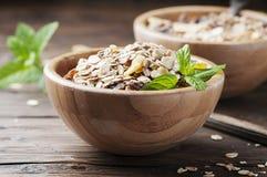 Desayuno sano con el granola hecho en casa Imagen de archivo