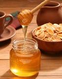Desayuno sano con la miel Foto de archivo libre de regalías