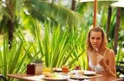 Desayuno tropical fotos de archivo