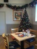 Desayuno y árbol de navidad Imágenes de archivo libres de regalías