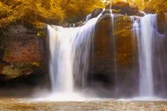 Desbaste a cachoeira de Suwat em Khao Yai, Tailândia Imagens de Stock Royalty Free