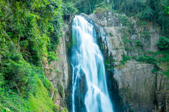 Desbaste cachoeiras de Narok Imagens de Stock
