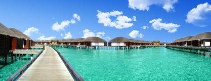 Descanse en los Maldivas en las cabañas hermosas Imagenes de archivo