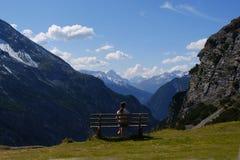 Descanse na natureza, alpes, Italy imagem de stock