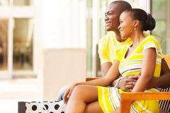 Descanso africano dos pares Foto de Stock Royalty Free