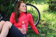Descanso após bicycling imagem de stock
