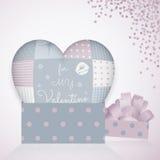 descanso 3D na forma de um coração com retalhos, caixa de presente do teste padrão 3d Dia do Valentim Fotos de Stock Royalty Free