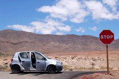 Descanso do batente do deserto do carro Imagem de Stock