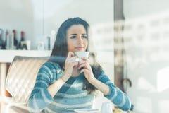 Descanso para tomar café en el café Imágenes de archivo libres de regalías