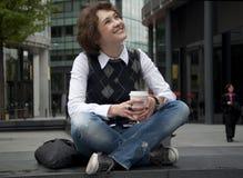 Descanso para tomar café en la ciudad Foto de archivo
