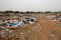 Descarga de la basura Imagen de archivo libre de regalías