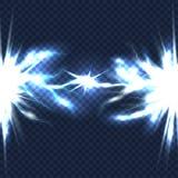 Descarga elétrica com o feixe do relâmpago isolado no fundo transparente quadriculado Corrente de alta tensão ilustração do vetor