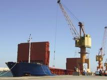 Descarregamento grande do navio Fotografia de Stock
