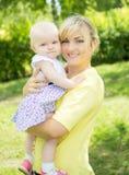Descendant avec la maman Image libre de droits