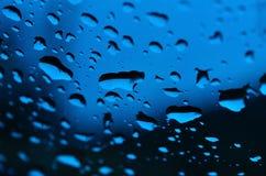 Descenso del agua azul Imagen de archivo