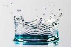 Descenso del agua con la corona Foto de archivo libre de regalías