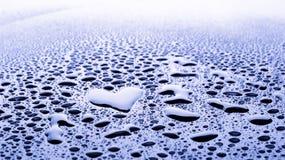 Descenso del agua del corazón Imagen de archivo libre de regalías