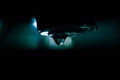 Descenso del agua del golpecito Fotos de archivo