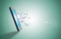 Descenso del móvil y del agua Imágenes de archivo libres de regalías