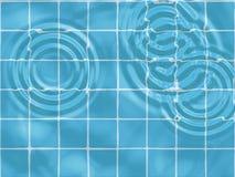 Descensos del agua en piscina Fotografía de archivo libre de regalías