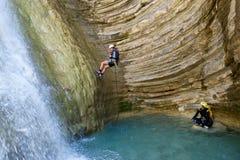 Descente de canyon en Espagne photos stock