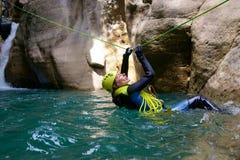 Descente de canyon en Espagne image libre de droits