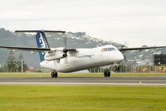 Descolagem dos aviões fotografia de stock royalty free