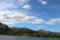 Descolagem plana de Queenstown, Nova Zelândia Foto de Stock