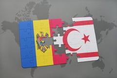 desconcierte con la bandera nacional del Moldavia y de Chipre septentrional en un mapa del mundo Fotos de archivo