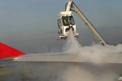 Descongelación del aeroplano Foto de archivo libre de regalías