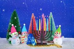 Descrição de Chrismukkah, árvores de Natal do menorah dos bonecos de neve Imagem de Stock Royalty Free