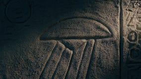 Descrição dos pires de voo na cinzeladura egípcia antiga da parede filme