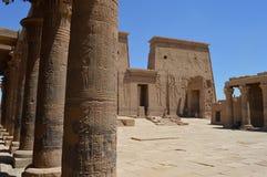 Descrições de Egito antigo no templo de Philae, Aswan Fotografia de Stock