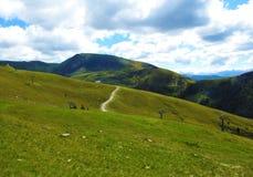 Descripción de las montañas tirolesas del sur imágenes de archivo libres de regalías
