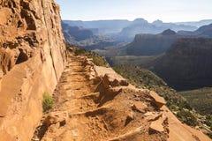 Descripción del paisaje de Grand Canyon en rastro foto de archivo