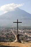 Descripción en el centro de la ciudad del colonial de Antigua Fotos de archivo libres de regalías