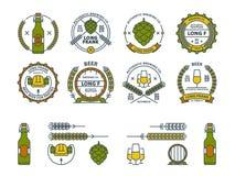 Descriva gli emblemi variopinti della birra di vettore, i simboli, le icone, le etichette del pub, raccolta dei distintivi Fotografia Stock Libera da Diritti