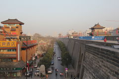 Descubrimiento de China: Pared de la ciudad antigua de Xian Foto de archivo