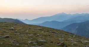 Desea el pico en una mañana nebulosa Foto de archivo libre de regalías