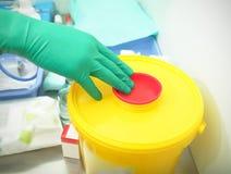 Desechos peligrosos en hospital imagen de archivo