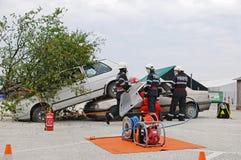 Desembaraço e paramédico na ação Imagem de Stock Royalty Free