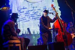 Desempenho da faixa de Billy no jogo do desempenho-concerto de Tom Waits Contemporary Art Museum foto de stock