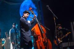 Desempenho da faixa de Billy no jogo do desempenho-concerto de Tom Waits Contemporary Art Museum imagens de stock